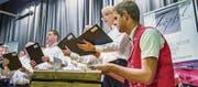 Hackbrettspieler Nicolas Senn begleitet den Männerchor Mammern beim Tröpfel-Lied. (Bild: Reto Martin)
