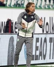 Martin Schmidt während seines Débuts als Wolfsburg-Trainer. (Bild: KEY)