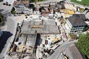 Die Rosenaupark-Baustelle von oben. Im hinteren Teil wird der Neubau der Ärztepraxis Brunnenhof erstellt. (Bild: PD)