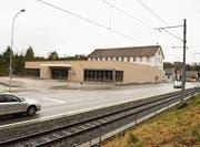 Noch ist die Migros-Filiale neben der alten Weberei bei der Ortsausfahrt Richtung Frauenfeld nicht fertig. (Bild: Samuel Koch)