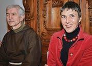 Bruder Josef Haselbach, Guardian Kapuzinerkloster Wil, mit SP-Nationalrätin Barbara Gysi.