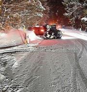 Glimpflich ausgegangen: Selbstunfall auf glatter Strasse in Maienfeld. (Bild: Kantonspolizei Graubünden)