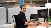 Bei der Clavis IT ist Marco Endres im Bereich «web solutions» tätig. (Bild: Jesko Calderara)