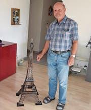 Emil Schmids Eiffelturm hat einen Massstab von 1:300.