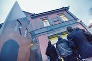 Andrang vor dem Kreuzlinger Rathaus an einem Verhandlungstag während des Kümmertshausen-Prozesses. (Bild: Donato Caspari)