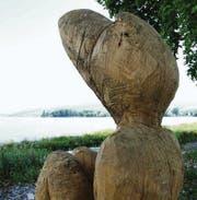 Arboner Bucht als Open-Air-Kunstgalerie: Die ersten Installationen haben am Seeufer ihren Platz gefunden. Am Freitag wird die H2Art eröffnet. (Bilder: Max Eichenberger)