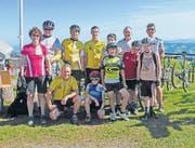 Bis hinauf auf 1200 Meter Höhe trampelten die acht Kinder und Jugendlichen und die vier Leiter des Velo-Mountainbike-Clubs Märstetten letztes Wochenende. Bei der Bergstation Tanzboden oberhalb von Ebnat Kappel übernachteten sie bei ihrer zweitägigen Tour. (Bild: pd)