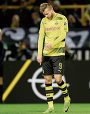 Sinnbild des Formtiefs: Dem als Hoffnungsträger geholten Andrej Jarmolenko und seinem Club Borussia Dortmund läuft es in dieser Saison nicht wie gewünscht. (Bild: Friedemann Vogel/EPA)