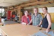 Monika und Luzi Parpan sowie Chantal Kiolbassa bringen in die Lernwerkstatt Herisau über 70 Jahre Lehrerfahrung ein. (Bild: mc)