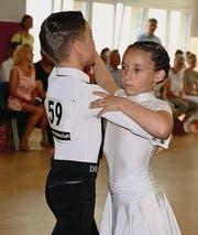 Fynn Lehr und Sanja Gschwend: ein junges, aber talentiertes Paar, das erst seit kurzem zusammen tanzt. (Bild: pd/Markus Steurer)
