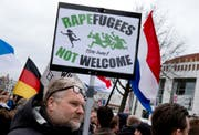 Pegida demonstriert in verschiedenen europäischen Städten gegen die Islamisierung Europas. (Bild: Keystone)