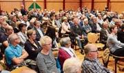 Gross war das Interesse der Bürgerinnen und Bürger an der Informationsveranstaltung im Seeparksaal zur «Metropol»-Zukunft. (Bild: Max Eichenberger)