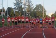 Für Nachwuchsläuferinnen und -läufer ist gesorgt: der Nachwuchs der Läuferriege Mosnang am Start zum 100-Meter-Lauf. (Bild: PD)