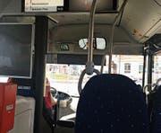 Immer wieder den Stop-Knopf gedrückt: Ein Fahrgast mit Kleinkind lieferte sich eine Auseinandersetzung mit dem Busfahrer. (Bild: jor)