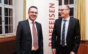 Stefan Blatter, neuer Delegierter bei Raiffeisen Schweiz, und Patrick Müller, neues Mitglied im Kantonalvorstand. (Bild: PD)