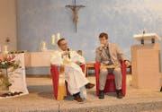 Diakon Stefan Staub im Gespräch mit dem langjährigen Nahostkorrespondenten Roberto Simona zur Lage der Christen im Kriegsgebiet. (Bild: cg)