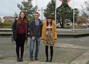Linda Thoma, Jermyn Dörig und Michelle Pema (von links) sind für den Ostschweizer Kurzfilmwettbewerb nominiert. (Bild: Miranda Diggelmann)