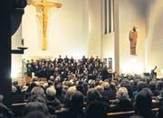 Am Sonntag fand in der katholischen Kirche das Adventskonzert des Orchesters Flawil-Gossau statt. (Bild: can.)