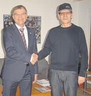 Regierungsrat Schläpfer bei Münsterlingen-Opfer Emmisberger. (Bild: pd)