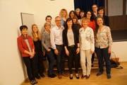 Grosse Zufriedenheit bei der Spitex nach einer harmonischen Versammlung: Der Vorstand der Spitex Sevelen zusammen mit dem Mitarbeiterinnen-Team. (Bild: PD)