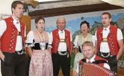 Die Jodlergruppe Hirschberg aus Appenzell. Die Werktagstrachten der Frauen waren ein Hingucker.