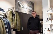 «Auch im Ausverkauf bieten wir nur hochwertige Kleider aus dem normalen Sortiment an.» (Bild: Thomas Schwizer)