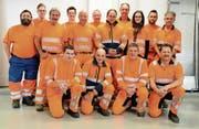 Die orange Truppe des Buchser Werkhofs stand am Tag der offenen Tür für die Bevölkerung bereit. (Bild: Hansruedi Rohrer)