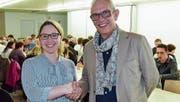 Beatrice Montgomery-Furrer übernimmt das Bettwieser Schulpräsidium von Edi Andreoli. (Bild: Christoph Heer (27. März 2017))