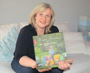 Bekommt viele Mails und Briefe von dankbaren Leserinnen und Lesern: Die Autorin Carmen Siegrist-Scherrer in ihrem Haus in Lanterswil. (Bild: Yvonne Aldrovandi-Schläpfer)