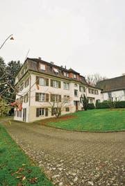 Das Priesterhaus beim Kirchlein wurde von den Redemptoristen bezahlt. (Bild: Donato Caspari (21.11.2014))
