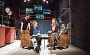 «Ich lebe vom Leiden Fremder»: Pablo Bursztyn, Dorit Ehlers, Adele Raes, Noce Noseda in «Zeitstillstand». (Bild: Thi My Lien Nguyen)