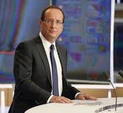 Auftritt im Fernsehen: François Hollande hat sein Reformprogramm bekanntgegeben. (Bild: ap/Kenzo Tribouillard)