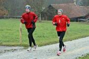 Jakob Lang (rechts) hat sich beim 100-Kilometer-Lauf in Biel einmal mehr als Langstreckenspezialist bestätigt. (Bild: Urs Huwyler)