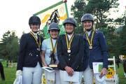 Die Equipe Nadine Schwendener, Martina Guntli, Fabienne Schadegg und Bettina Schlegel (von links) gewann Gold für den Reitverein Werdenberg.