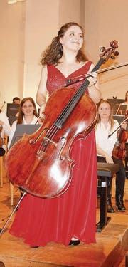 Mit dem Instrument verwachsen: Solistin Chiara Enderle. (Bild: alttoggenburger)