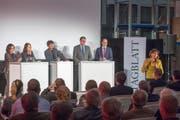 Nach einer Einführung von Bundesrätin Doris Leuthard (rechts) diskutierten Yvonne Gilli, Claudia Friedl, Roland Eberle und Marc Mächler (von links) unter Leitung von Tagblatt-Chefredaktor Stefan Schmid (Mitte) über den Atomausstieg. (Bild: Urs Bucher)