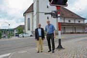 Mitinitiant Werner Hugelshofer und Gemeindepräsident Reto Altherr nach der Abstimmung. (Bild: Karin Erni)
