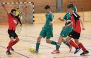 Hartes Brot für die C-Junioren des FC Haag (in Grün) in der 1. Stärkeklasse: Meist kamen sie einen Schritt zu spät. (Bilder: Michael Vetsch)