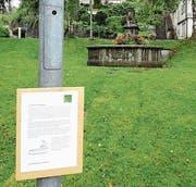 Beim Dorfbrunnen startet der Geschichtenweg (Bilder: PD)