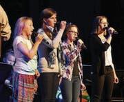Wer es durchs lagerinterne «Casting» geschafft hat, darf am Freitagabend auf der Bühne solo singen. (Bild: Linda Müntener)