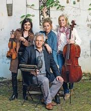 Das Trio Artemis und der Erzähler Urs Schaub bringen am 29. Oktober musikalische Geschichten auf die Bühne des Weinfelder Rathaussaals. (Bild: PD)