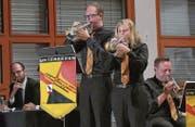 Nicole Hochreutener und Daniel Riedener beim Cornet-Solo im Stück «Tell him». (Bild: Fritz Heinze)