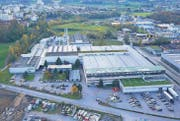 Im Werk der Amcor Flexibles Rorschach AG auf dem Rietli-Areal in Goldach werden Aluminiumfolien veredelt. (Bild: pd)