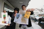 Madeleine Rickenbach und Andreas Müller freuen sich auf die Objekte, die das nächste Jahr an der Bahnhofstrasse zu sehen sind. (Bild: Maya Mussilier)