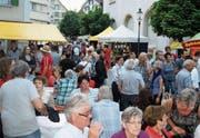 Sehen und gesehen werden und viel Gemütlichkeit beim Herisauer Dorffest. (Bild: PD)