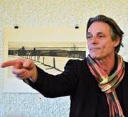 Verwaltungsrat Jürg Niggli stellt mit Witz und lockerer Zunge sein Talent zum Auktionator unter Beweis. (Bild: Max Eichenberger)