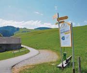Vom Parkplatz Osterbüel oberhalb der Schönau in Urnäsch dauert der Aufstieg zum Hochhamm 20 bis 30 Minuten.