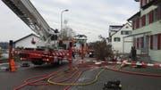 Fünfmal musste die Zuzwiler Feuerwehr 2017 wegen eines Brandes ausrücken. So auch 19. Dezember nach Züberwangen. (Bild: Kapo)