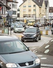 Das Verkehrsproblem im Gossauer Ortskern ist laut Verkehrsexperten des Kantons hausgemacht. (Bild: Hanspeter Schiess)