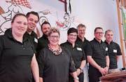 Der komplett wiedergewählte Vorstand des Quartiervereins Langdorf mit Präsident Roman Neff (2. v.r.). (Bild: Mathias Frei)